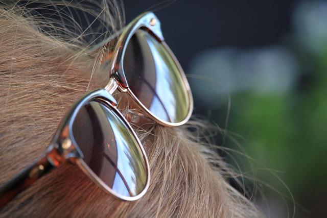 Sunglasses hair reflection.