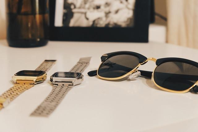 Sunglasses watches time, beauty fashion.