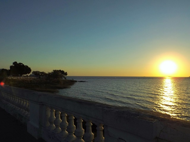 Sunset romantico love, travel vacation.