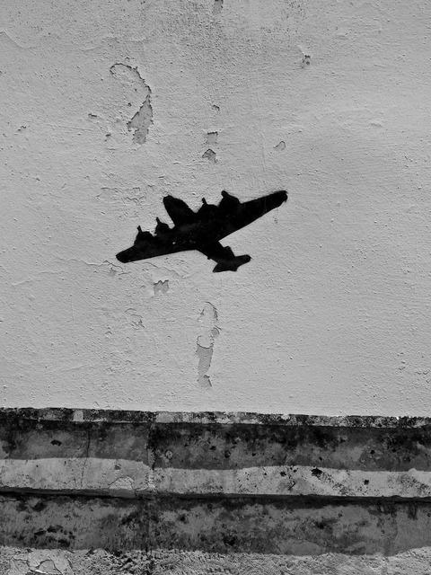 Symbol aircraft motif.