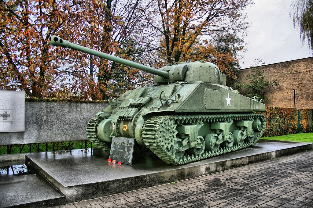 Tank monument weapon, architecture buildings.