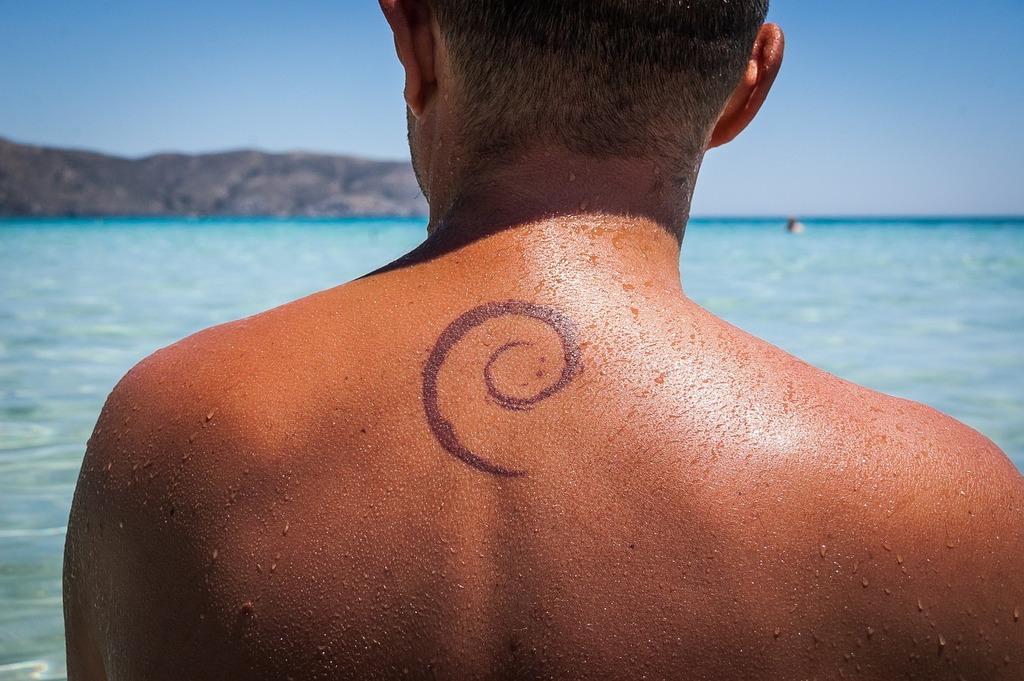 Tattoo the back geek.