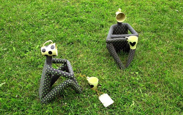 Tea pair sculpture humor.