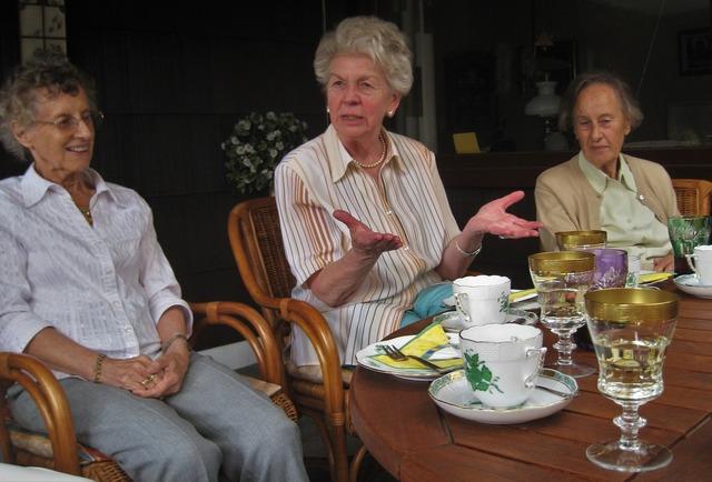 Tea party where is the cake grandma.