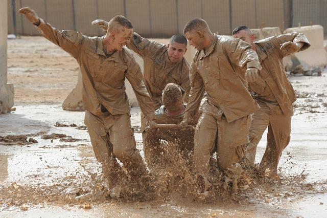 Teamwork training exercise army military.