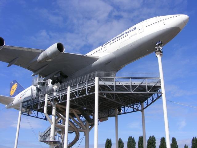 Technik museum speyer lufthansa jumbo jet.