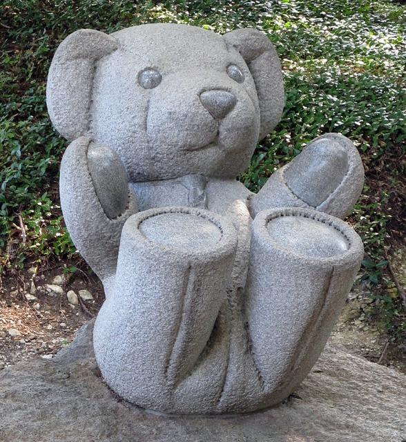 Teddy bear sculpture baby.