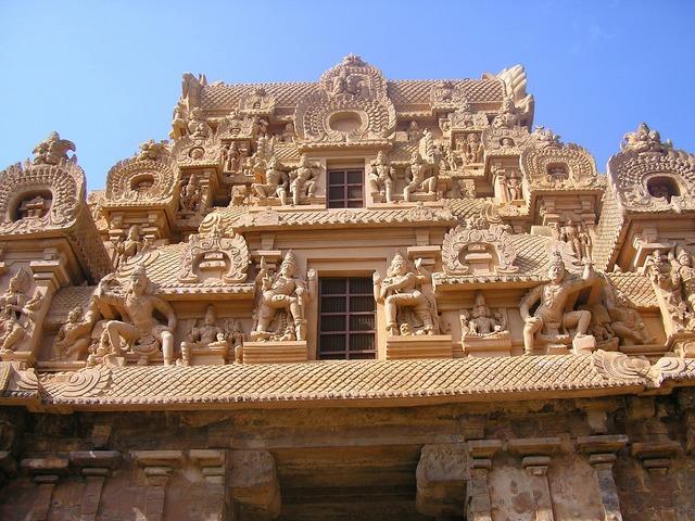 Temple brihadeeswara gopuram, religion.