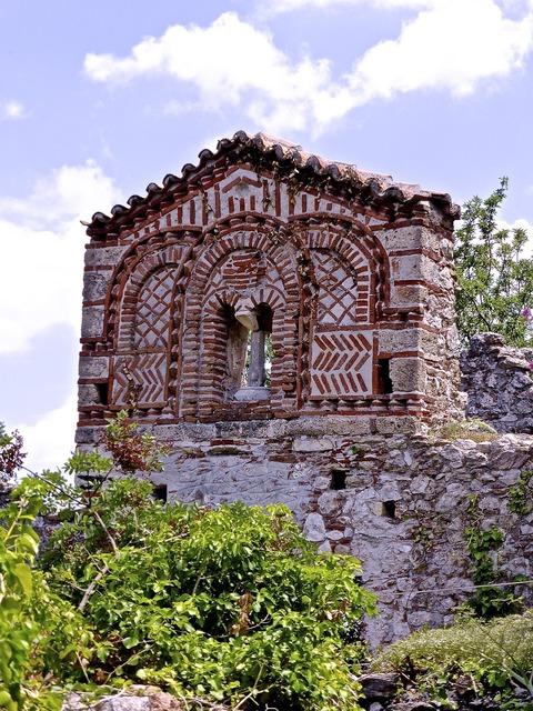Temple building mystras, religion.