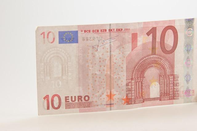 Ten euro bill.