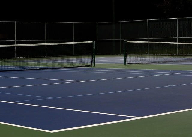 Tennis court night empty.