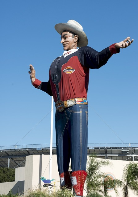 Texas state fair big tex giant, places monuments.