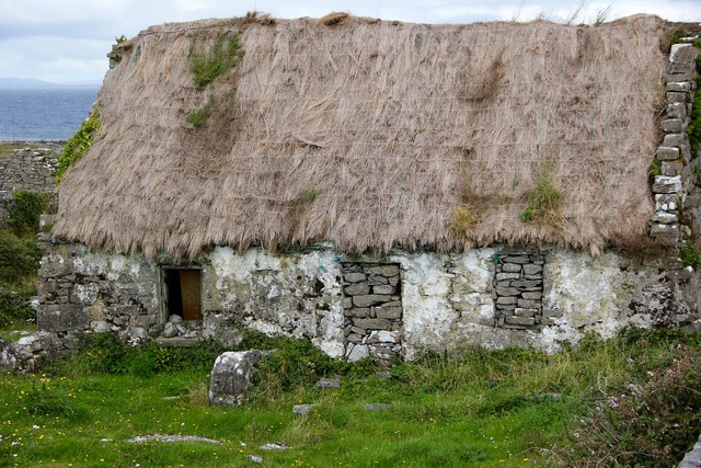 Thatched roof ireland irish, architecture buildings.