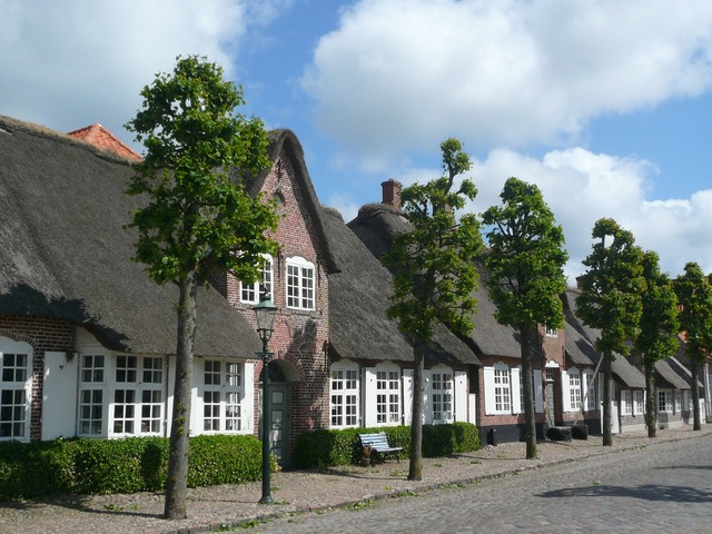 Thatched roof north sea moegeltondern.