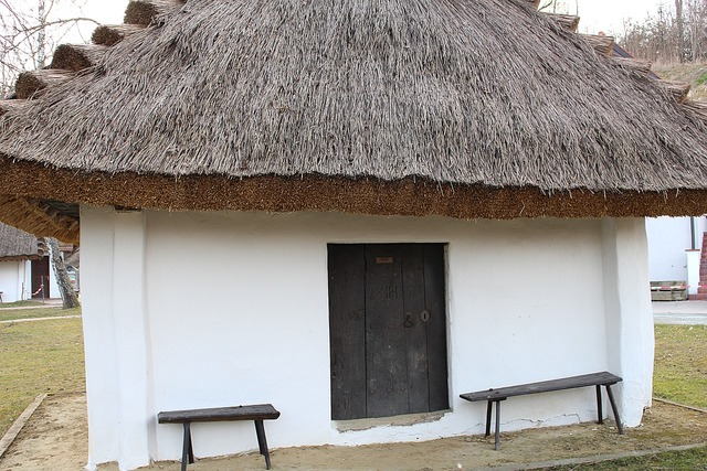 Thatched roof straw roof straw.