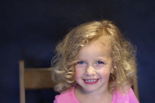The little girl photo blonde.