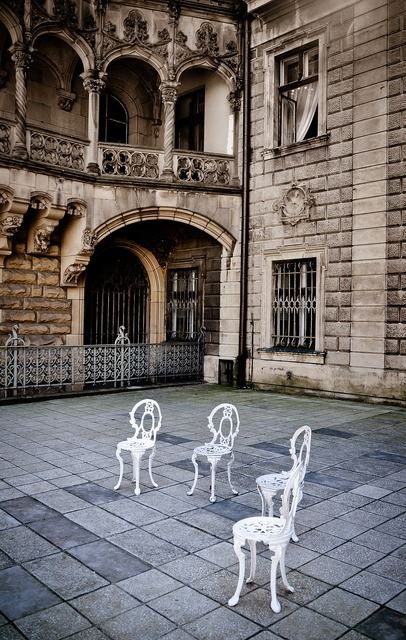 The palace courtyard chairs.