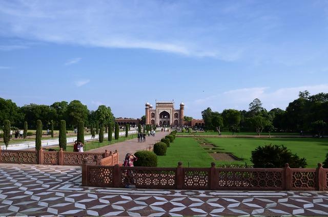 The taj mahal india tourism, travel vacation.