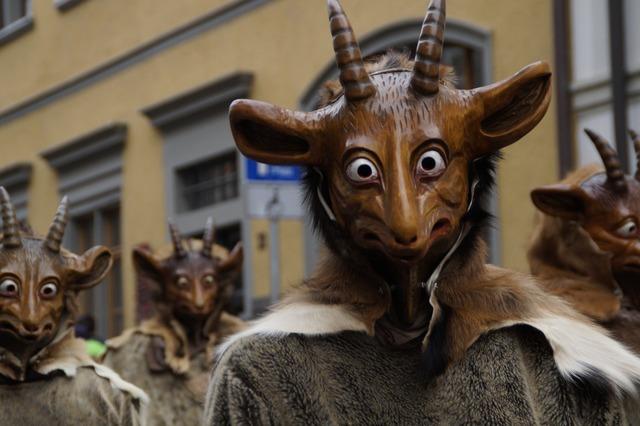 Tiermaske geiss goat.