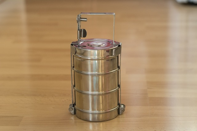 Tiffin india pan, food drink.