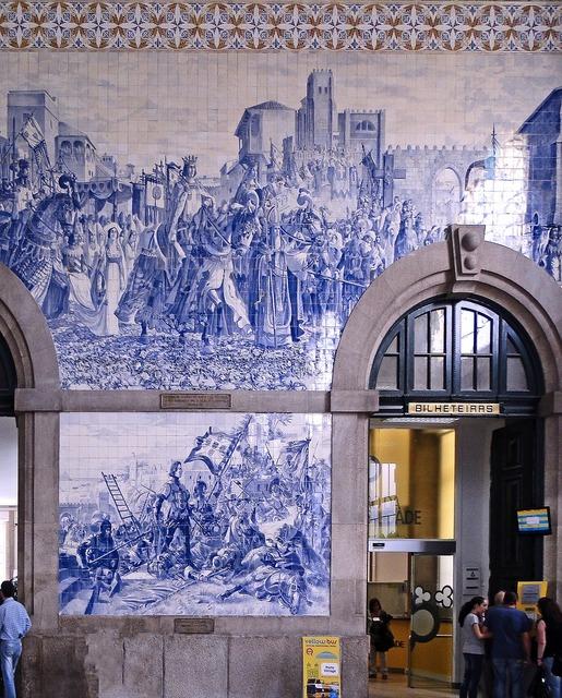 Tiles wall decorative tiles, places monuments.