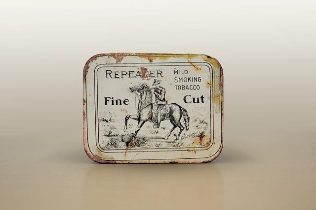Tobacco tin snuff fine cut, health medical.