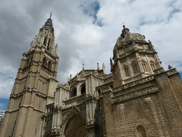Toledo cathedral church, religion.
