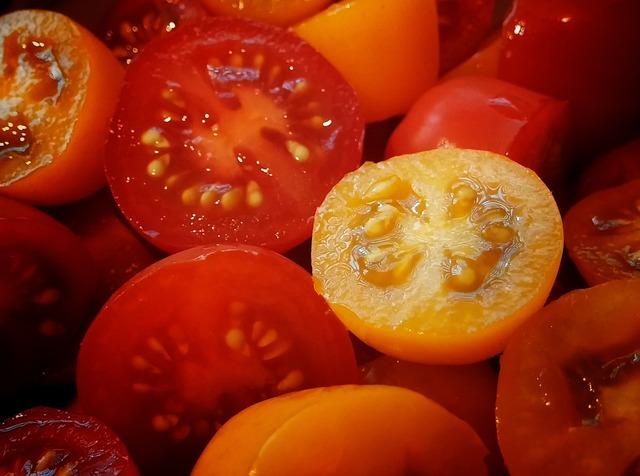Tomato tomatoes cherry tomato, food drink.