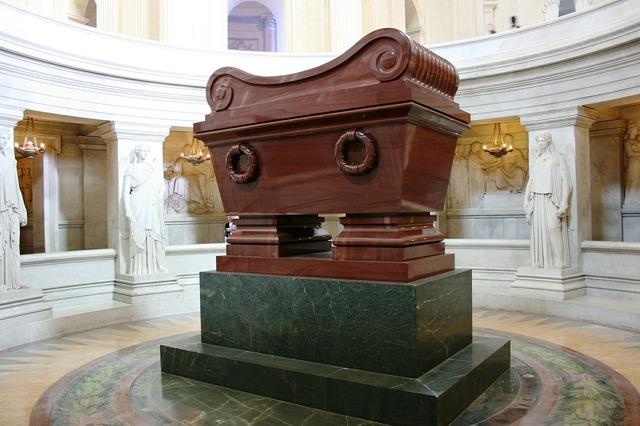 Tomb of napoleon napoleon invalides.