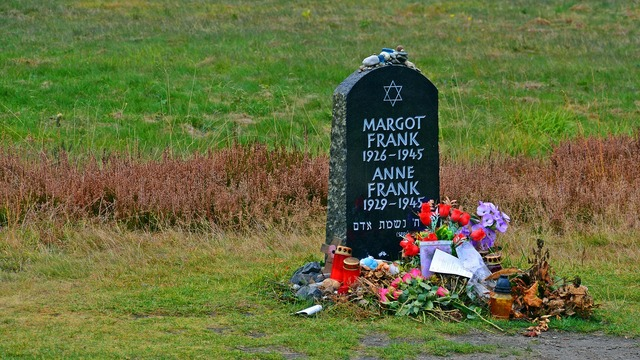 Tombstone anne frank memorial, places monuments.