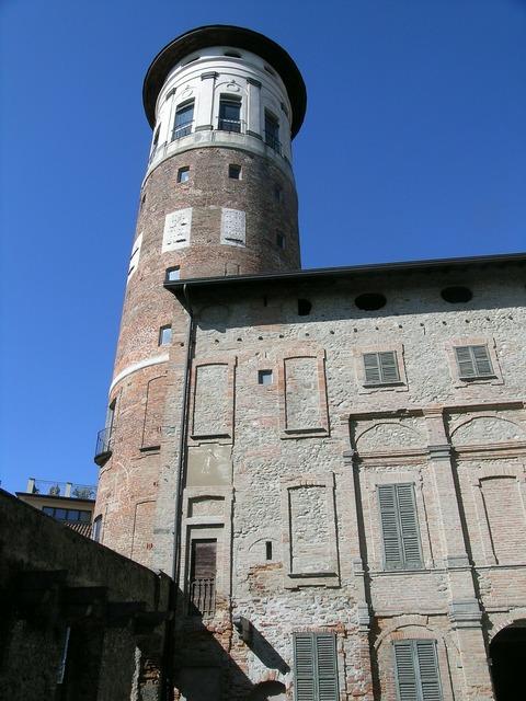 Torre palazzo prinetti merate.