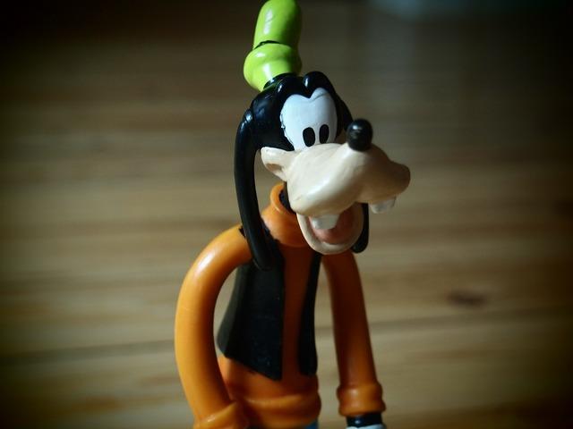Toys goofy rubber doll.