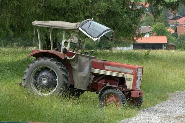 Tractor tractors oltimer, transportation traffic.