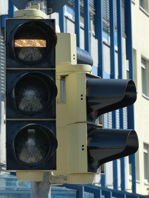 Traffic lights bus buses, transportation traffic.