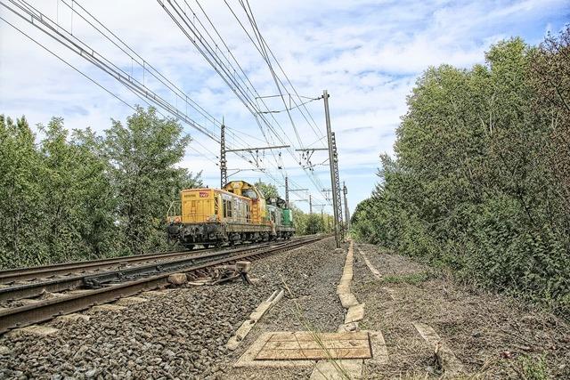 Train sncf track, transportation traffic.