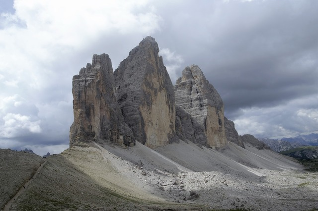 Tre cime di lavaredo the alps italy.