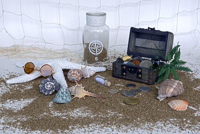 Treasure chest sand squid, travel vacation.