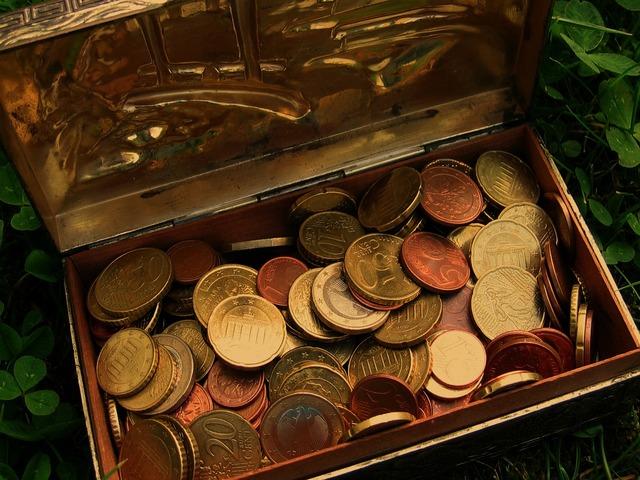 Treasure treasure chest euro, business finance.