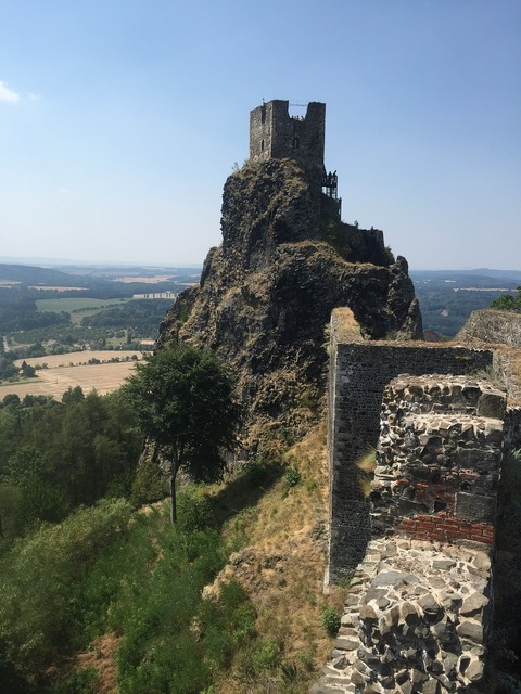 Trosky castle ruins 8 wonder of the world.