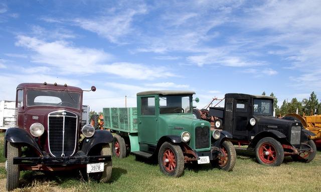 Truck transport vehicle, transportation traffic.