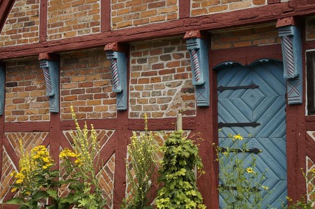 Truss fachwerkhaus door, architecture buildings.