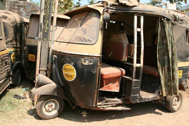 Tuk tuk rust old car.