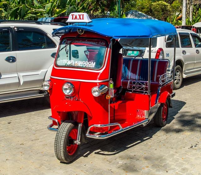 Tuk tuk taxi thailand.