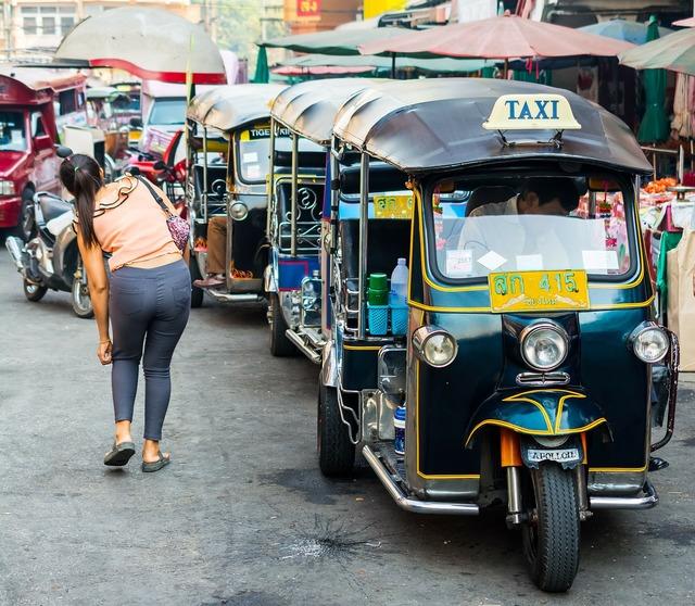Tuk tuk taxi warorot market.