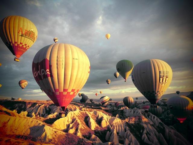 Turkey kia cap-wave hot air balloon.