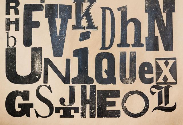 Type specimen vintage grunge.