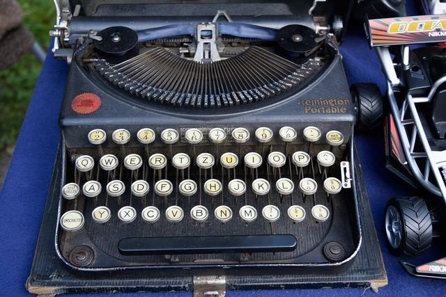 Typewriter remington travel typewriter.