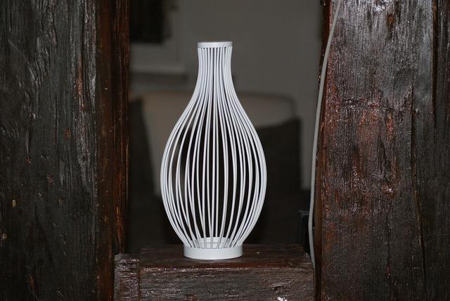 Vase metal white.