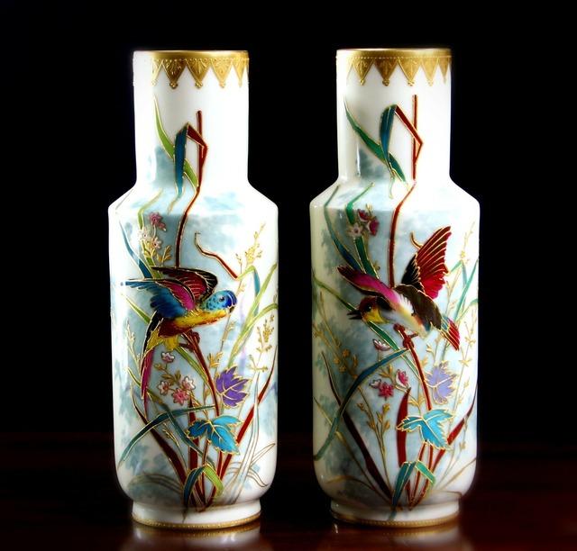 Vases porcelain cloisonne.