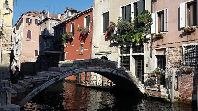 Venice italy bridge.